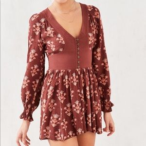 Ecote (urban outfitters) pia long sleeve romper